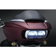 Chromowane akcenty na lampę główną motocykla