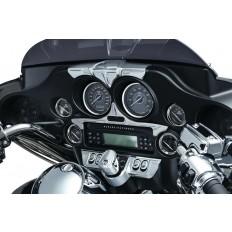 Chromowana nakładka montowana nad prędkościomierzem motocykla